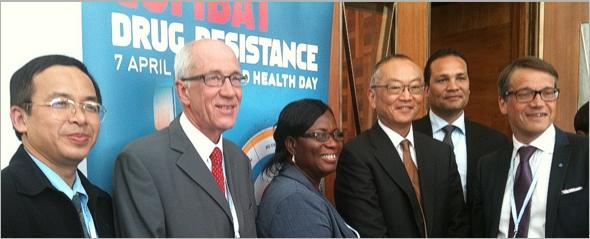 From the left: Dr Phusit Prakongsai, Thailand, Dr Otto Cars, ReAct, Mrs Martha Gyansa-Lutterodt, Ghana Minstry of Health, Dr Keiji Fukuda, WHO, Dr Danilo Lo Fo Wong, WHO and Mr Göran Hägglund, Minister for Health and Social Affairs, Sweden.