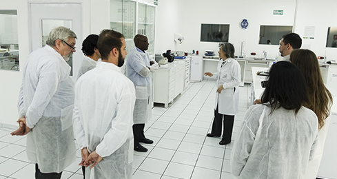 ReAct visits the national medicines regulatory agency of El Salvador and tours their laboratory facility.