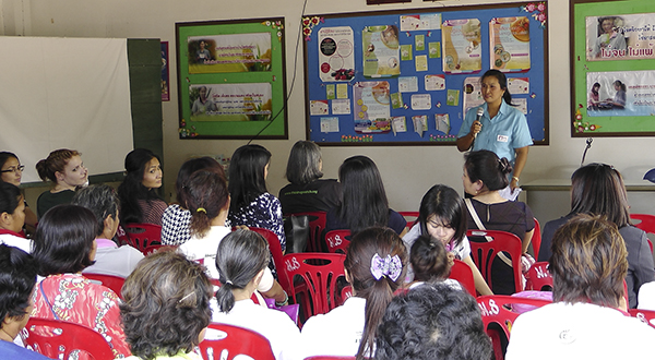 asu-interaction-with-community-saraburi_webb