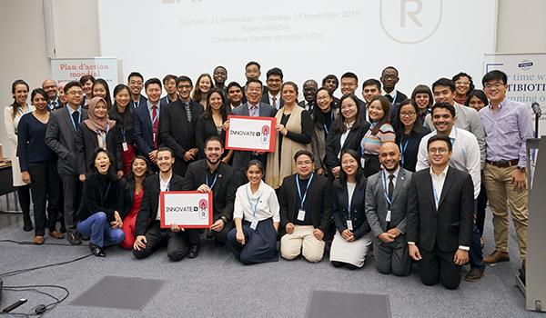 Group-photo-of-the-10-winning-teams-of-Innovate4AMR